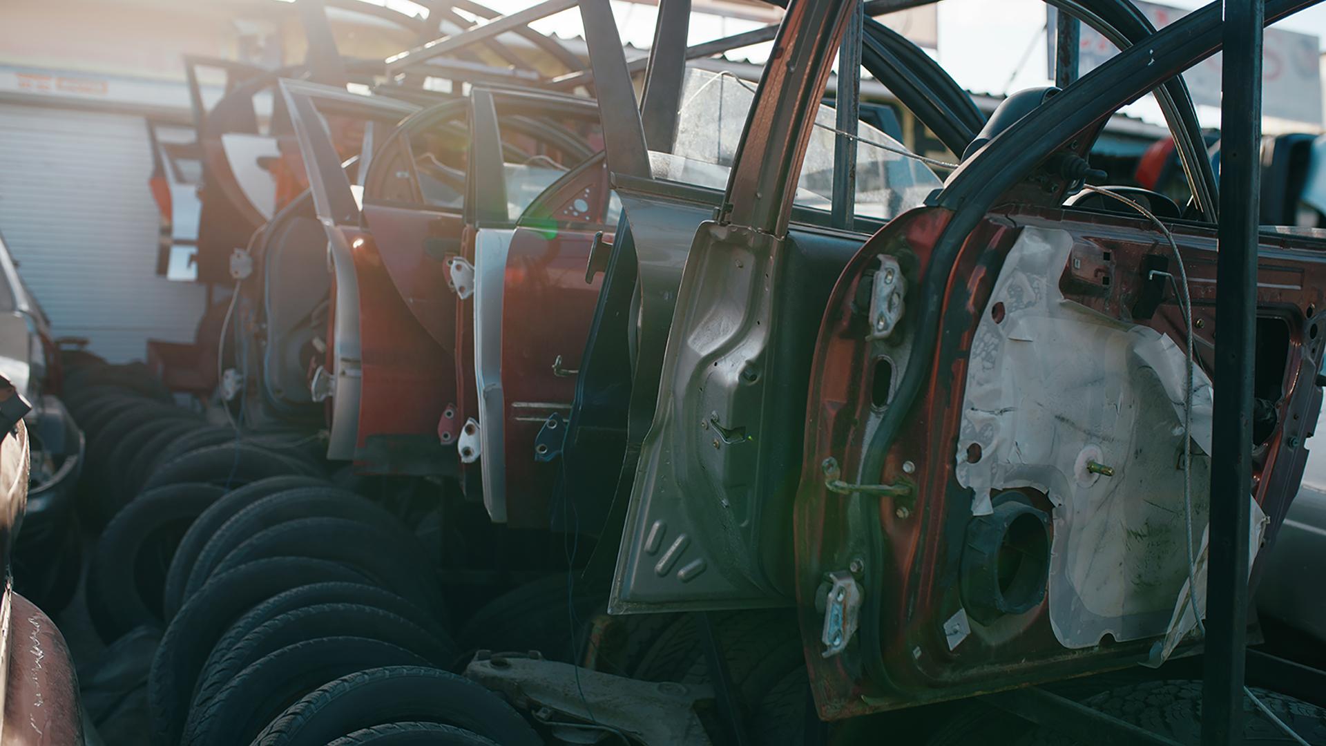 ¿Qué pasa cuándo entrega su vehículo a un Desguace?